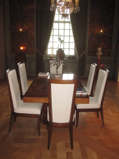 Art deco dining table with 6 art deco chairs (b)