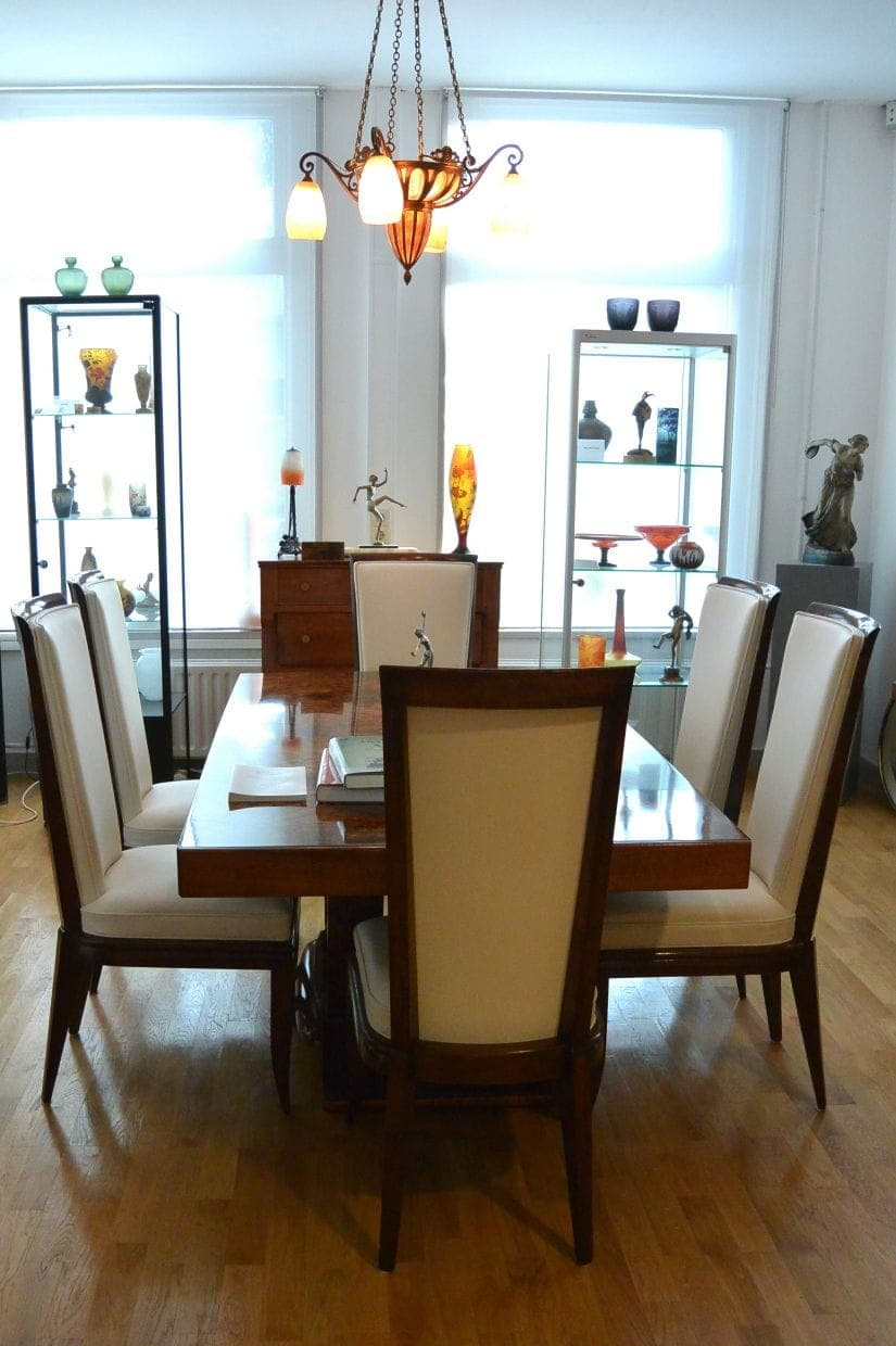 Art Deco Dining Table With 6 Art Deco Chairs