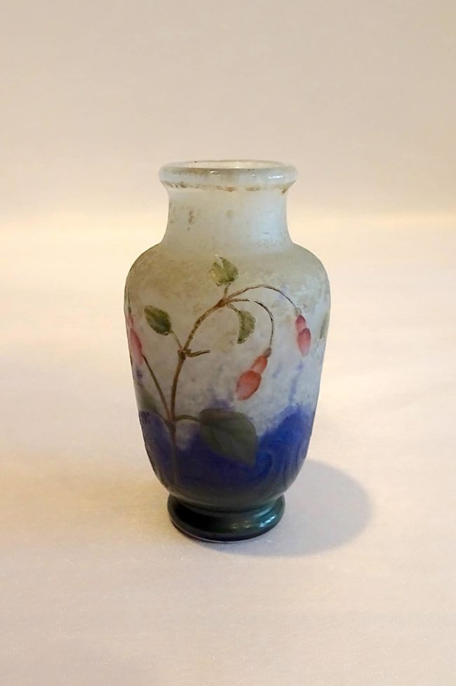 Daum Nancy - Small vase Fuchsia