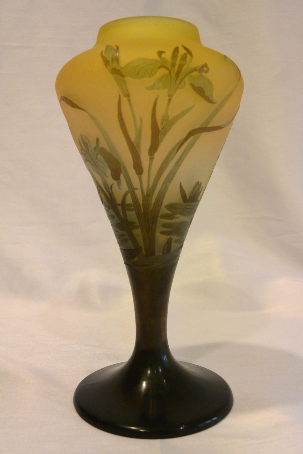 Emile Gallé – Vase with water plants decoration