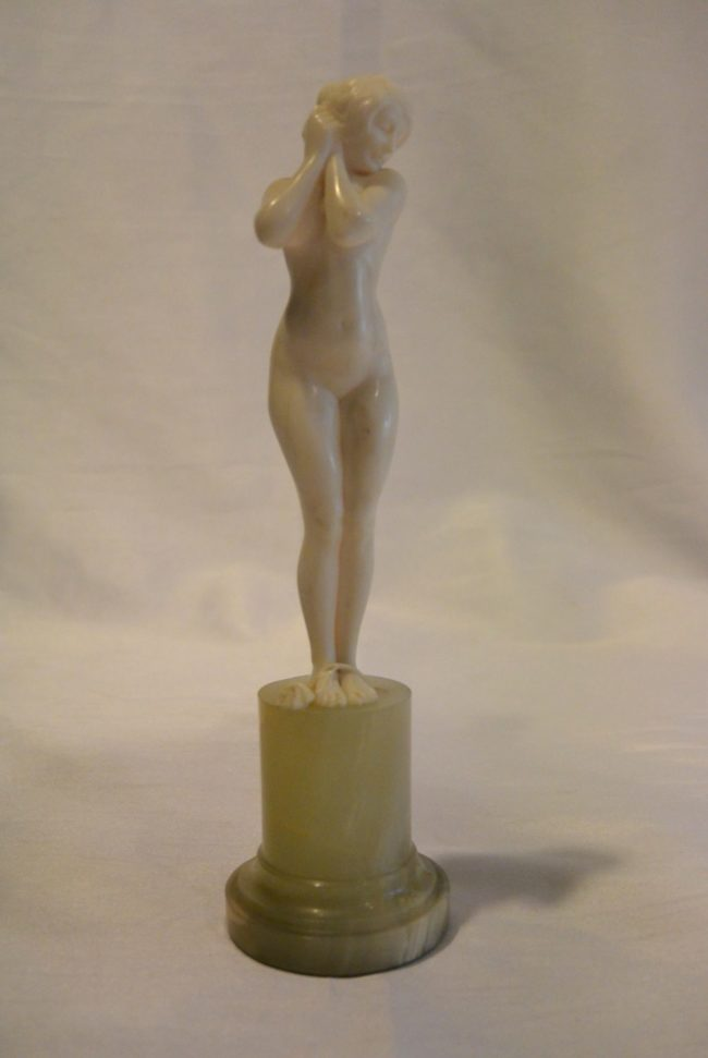 Louis Sosson - Ivory figure of a nude lady